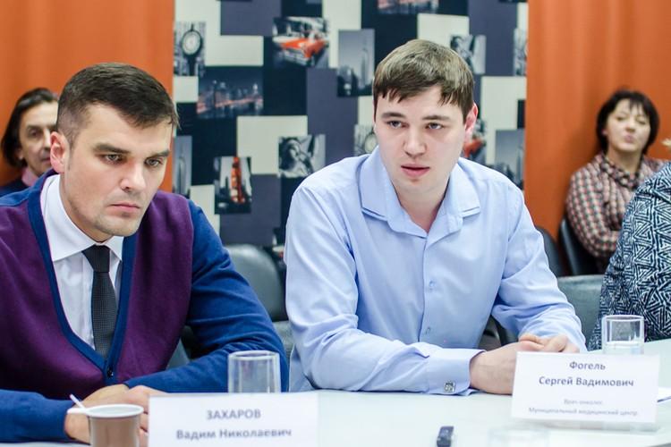 Сергей Вадимович Фогель, врач-онколог медицинского центра «Муниципальной аптечной сети» (справа).