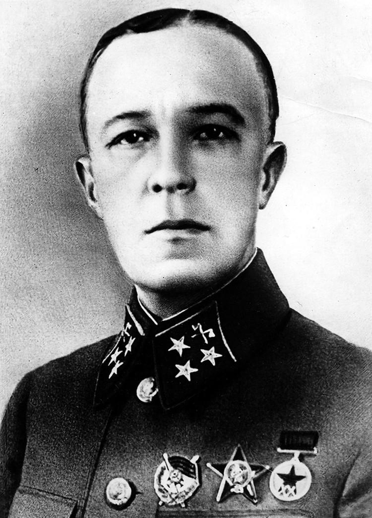 Дмитрию Михайловичу Карбышеву было присвоено звание Героя Советского Союза