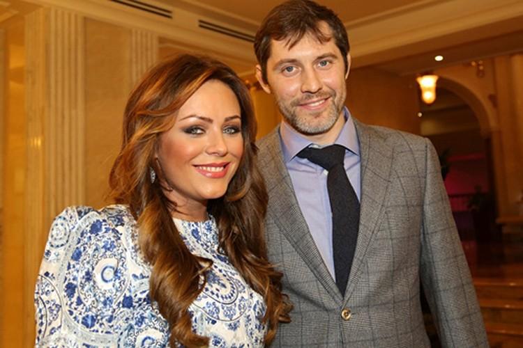 В 2010-м году Юлия познакомилась с хоккеистом Александром Фрловым. Но и тут не срослось...