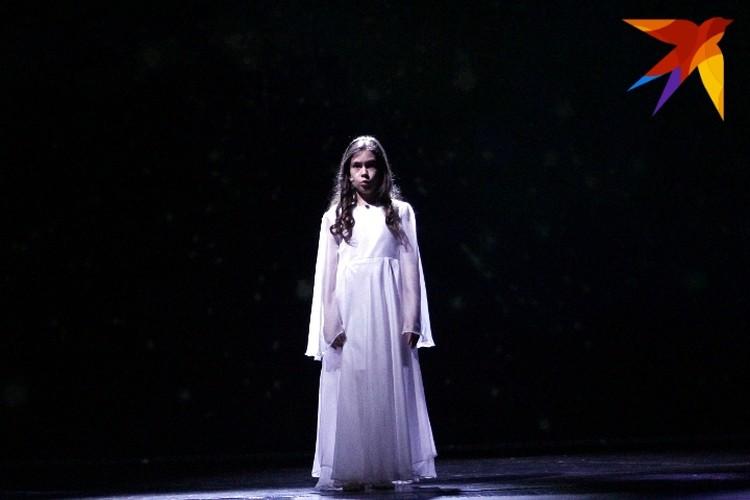 В спектакле сыграла 10-летняя Полина Дмитренко