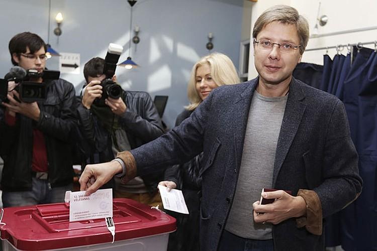 Нил Ушаков является мэром Риги с 2009 года