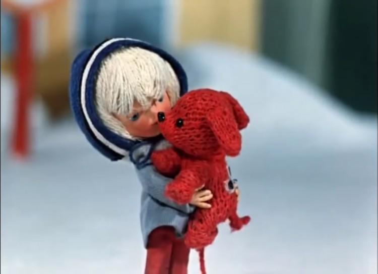 Нехитрый сюжет мультфильма «Варежка» учит детей доброте, а родителей - умению понимать истинные потребности своих детей.