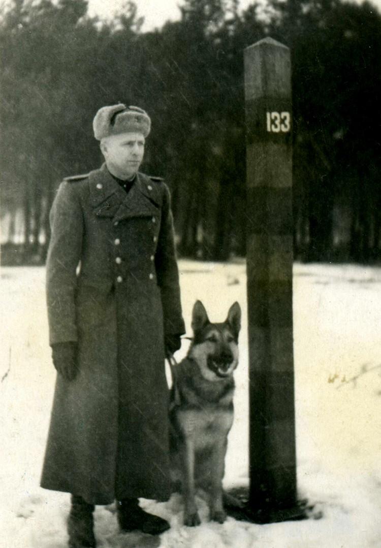 Михаил служил в пограничных войсках. Фото: музей «Мемориал Победы»