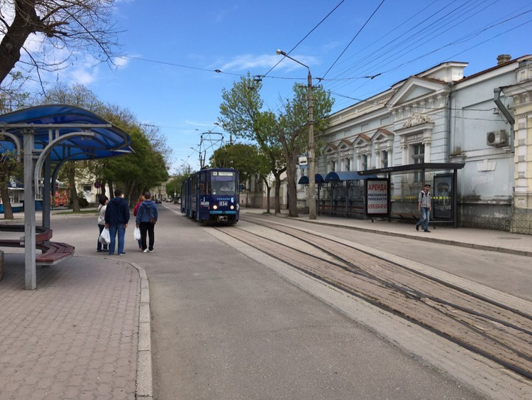 Одна из достопримечательностей города - трамвайчики