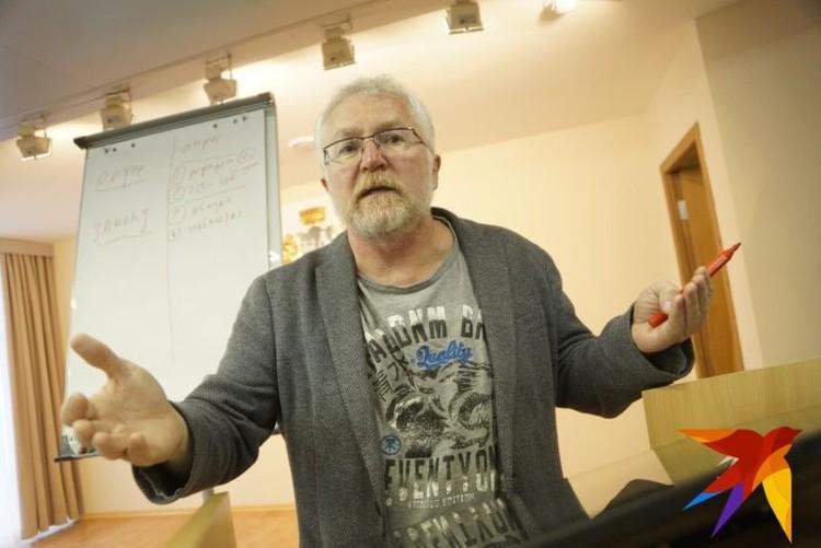 Депутат Константин Киселев предложил приблизить опрос к референдуму.
