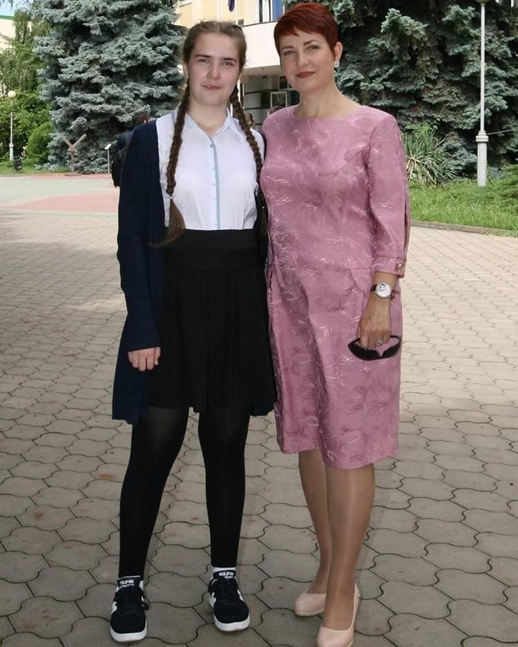 Даша с мамой Ириной. Именно в этой кофточке девочка была в день своего исчезновения