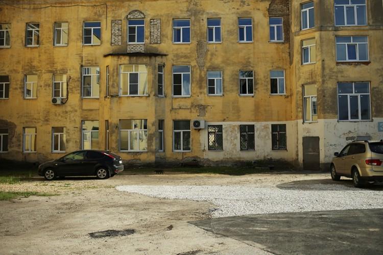 Больница, куда привозят пострадавших.