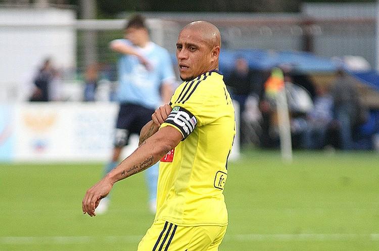 Роберто Карлос был капитаном «Анжи» в 2011-2012 годах