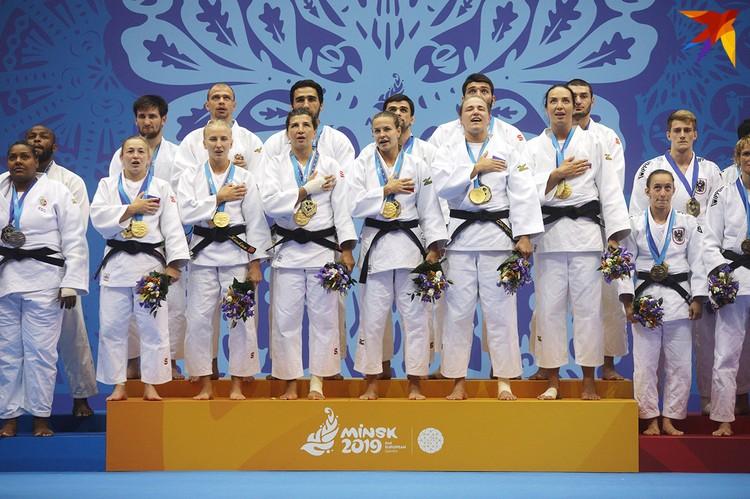 В соревнованиях смешанных команд в дзюдо на II Европейских играх золото выиграла Россия.