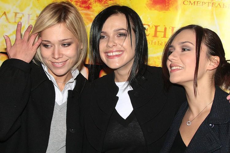Участницы группы СЕРЕБРО Марина Лизоркина, Елена Темникова и Ольга Серябкина, 2009 год.