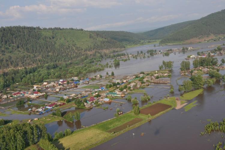 Затопленный Тулун. Фото: ГУ МЧС России