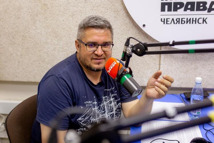 Сотрудник Публичной библиотеки Рифат Абдрашитов.