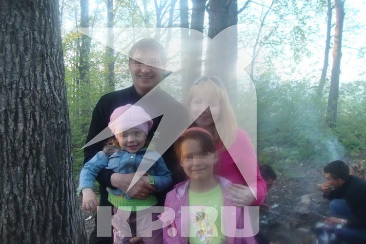 Cчастливая Вика со своей семьей.