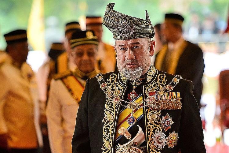 Мухаммад V добровольно отрекся от престола в январе 2019 года.