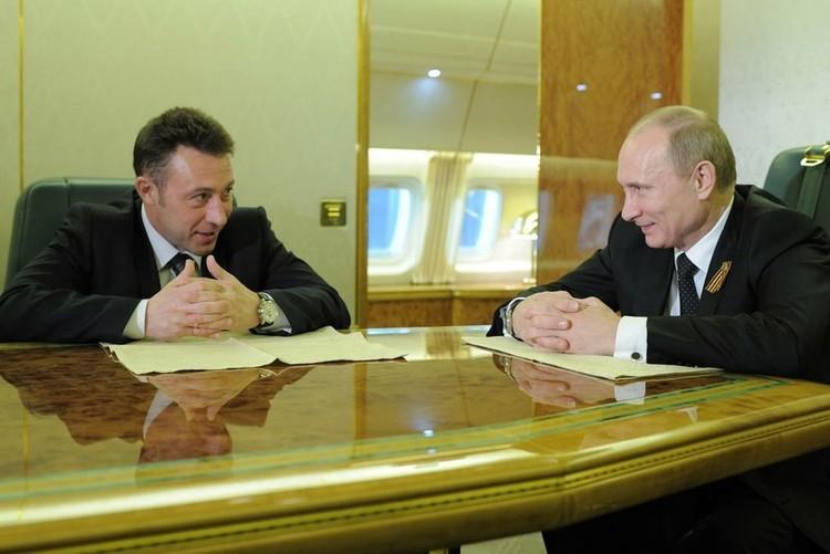 """""""7 мая я был на инаугурации президента в Москве. А 10 мая у Путина была первая рабочая поездка в качестве главы государства в Нижний Тагил. И он меня подвез на самолете"""""""