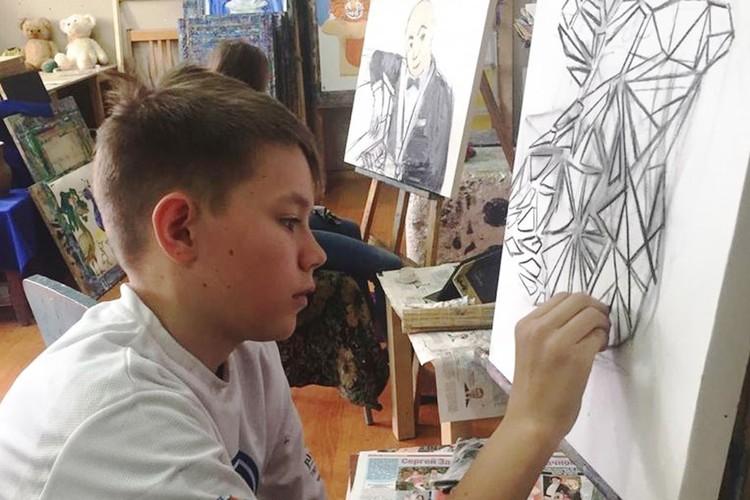 Юный художник Леонид Пшенов.