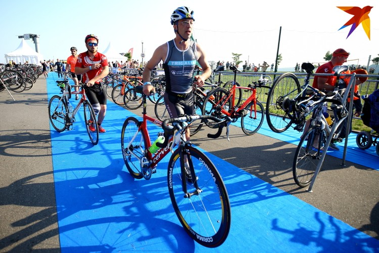 В велогонке также бело две дистанции 45 км и 22,5 км