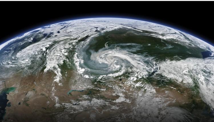Космический снимок крупнее - более глобального масштаба.