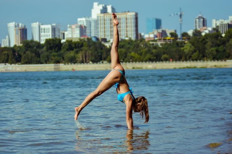 Света - мастер спорта по гимнастике.