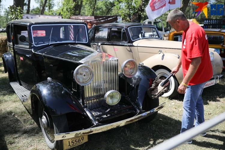 Rolls-Royce достоин того, чтобы с него сдували пылинки