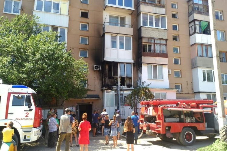Пожар произошел в жилой пятиэтажке. Фото: Инцидент Крым|Симферополь|Севастополь ДТП/VK