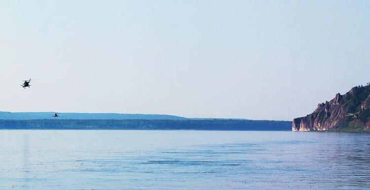 В Мотыгинском районе пилоты сделали слив воды в реку Фото: соцсети