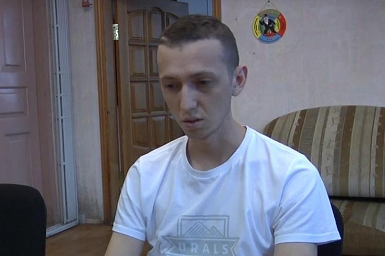 После допроса у следователя 13 августа Васильев попросил прощения у родственников погибших. Фото: скрин с видео