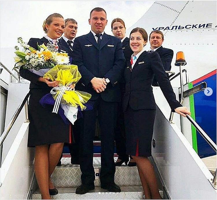 Дмитрий Ивлицкий пошел работать бортпроводником вслед за другом детства. Фото: vk.com