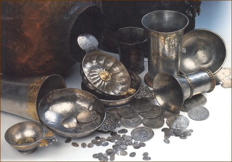 Остатки Мытищинского водопровода и кремневый резец эпохи неолита