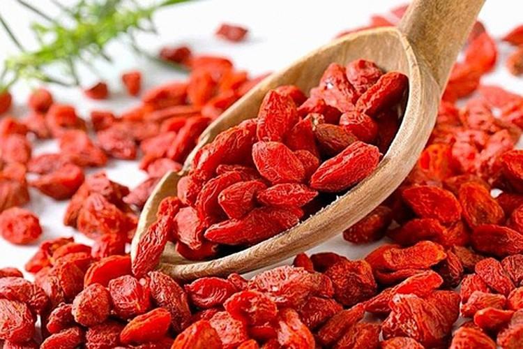 Утверждается, что в ягодах годжи больше десятка полезных минералов, в том числе железо, цинк, кальций, йод