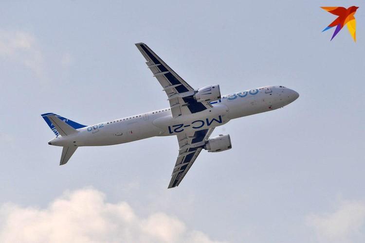 Именно на МАКС-2019 прошла премьера российского среднемагистрального узкофюзеляжного пассажирского самолета МС-21