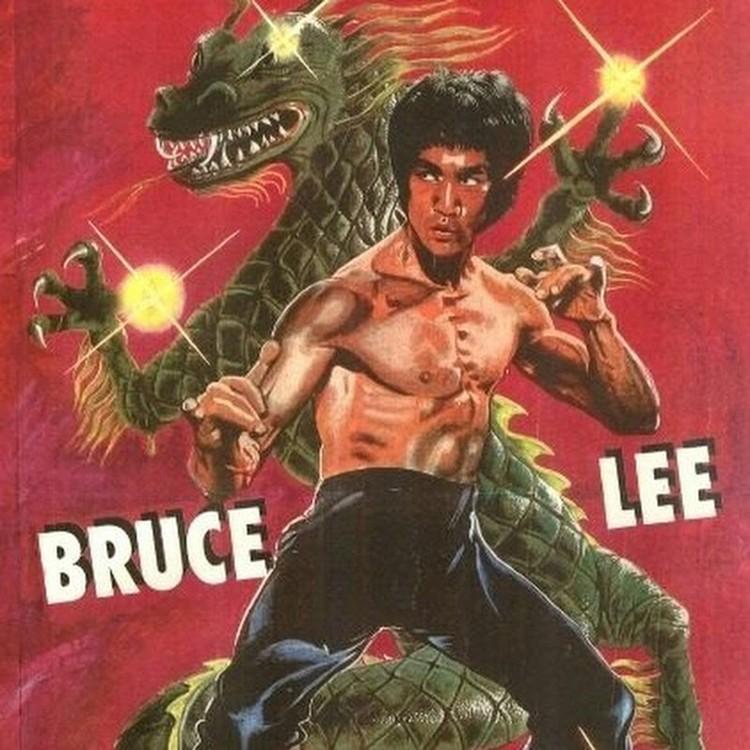 Отдельные плакаты были посвящены восточным единоборствам и героям фильмов, где оружие вполне заменяли ноги и руки