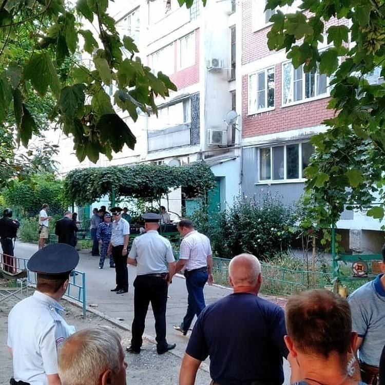 Полицейские задержали дебошира. Составлен протокол