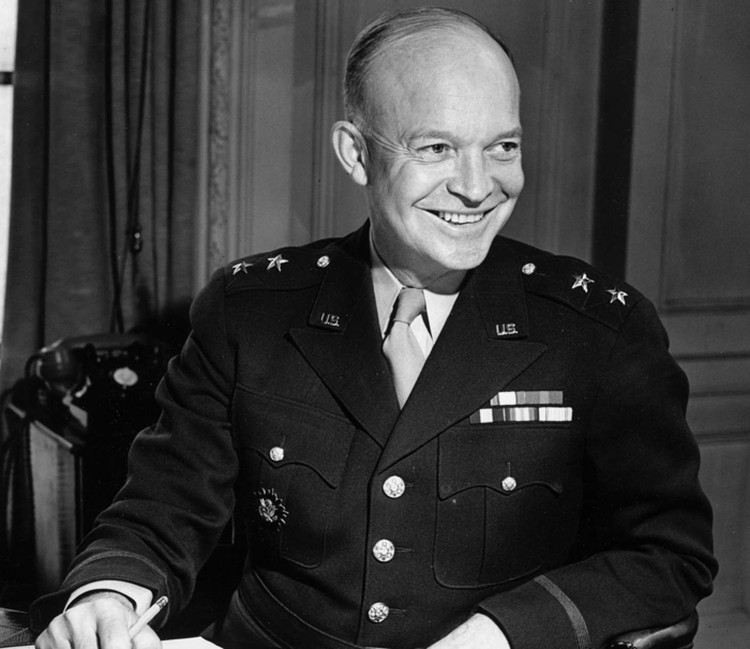 Дуайт Дэвид Эйзенхауэр – единственный американский президент, принимавший участие в Первой и Второй мировых войнах