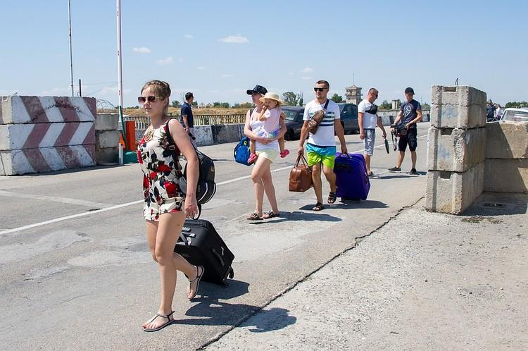 В Крым едет все больше и больше туристов из Украины