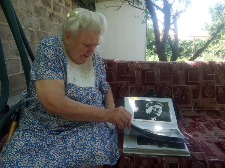 В семье Изотовых хранят память о прославленном предке. Фото: личный архив героя публикации