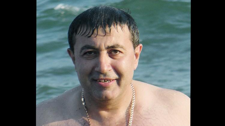 Михаил Хачатурян. Следствием уже установлено, что со своими девочками он обращался очень жестоко.