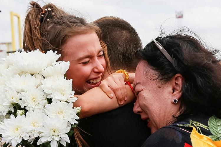 Центральное событие прошлой недели - освобождение и обмен удерживаемых лиц - вот уже ровно неделю в Киеве обсуждается бурно