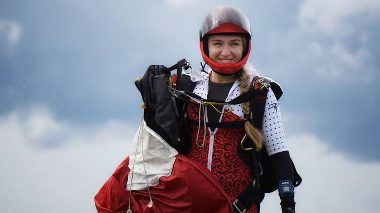 Челябинка занимается парашютным спортом пять лет. Фото: Наталья Белоусова/facebook.com