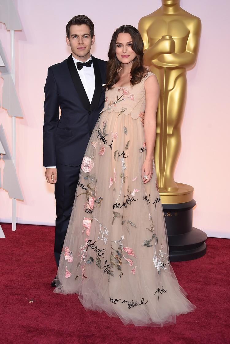 Кира и ее муж Джеймс Райтон в 2015 году - тогда актриса ждала первого ребенка.