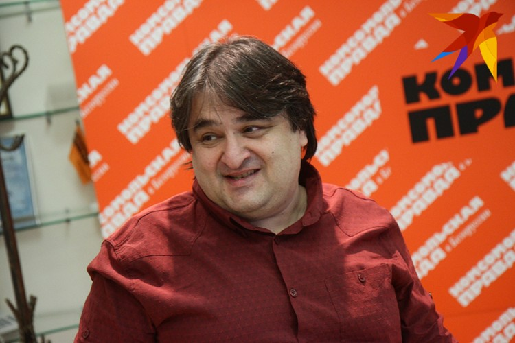 Репетитор, преподаватель математики и физики Евгений Ливянт.