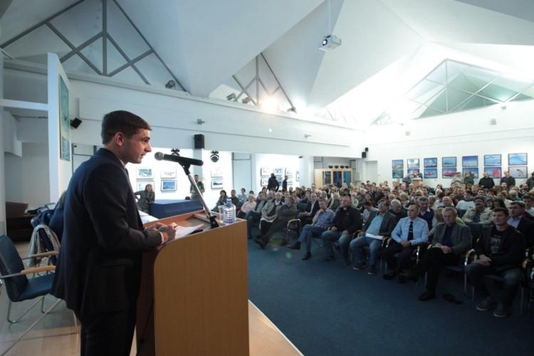 С кратким докладом выступил вице-президент института «Гипростроймост» Саид Сизо.