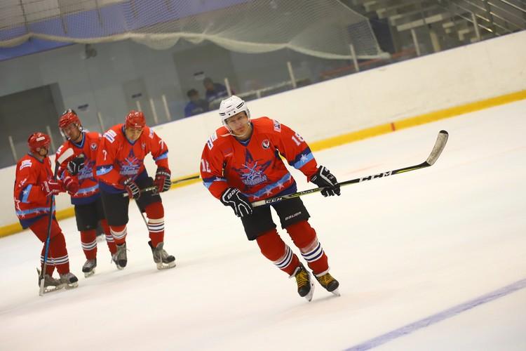 Иван Черезов отлично владеет коньковым ходом не только на лыжне. Фото: Амир Закиров