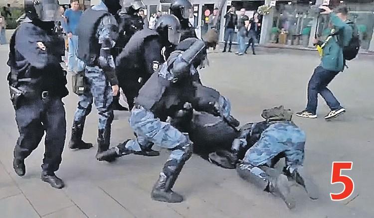 ДЕЙСТВИЕ 5. Устинова задерживают. Фото: youtube.com
