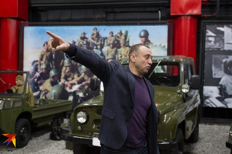 """директор музея """"Моторы Октября"""" Дмитрий Октябрьский"""