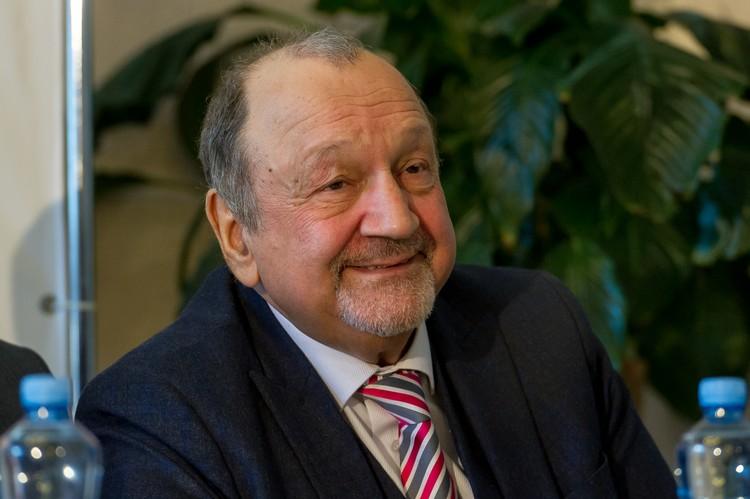 Директор театра «Балтийский дом» Сергей Шуб уже не первый раз встречает зарубежных артистов
