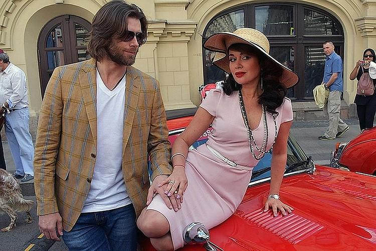 Анастасия с мужем, фигуристом Петром Чернышевым