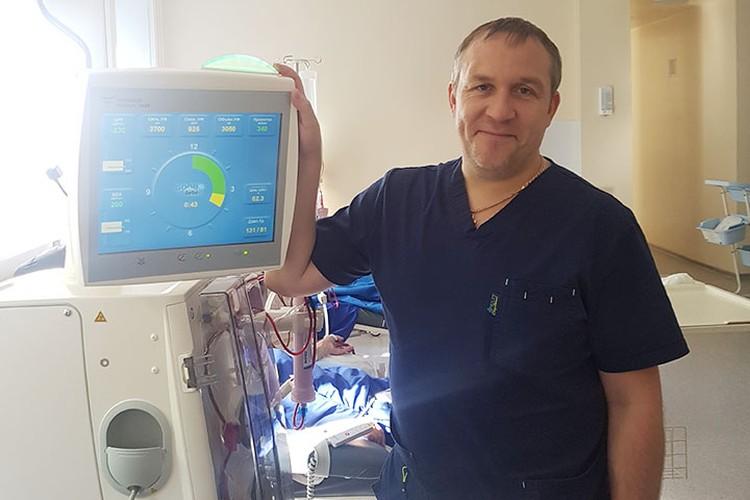 Александр Гольчик, заведующий отделением центра амбулаторного диализа НИИ клинической медицины