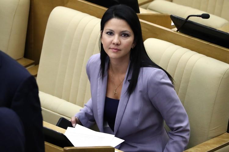 Инга Юмашева на пленарном заседании Государственной думы 9 октября 2019 года. Фото: Антон Новодережкин/ТАСС
