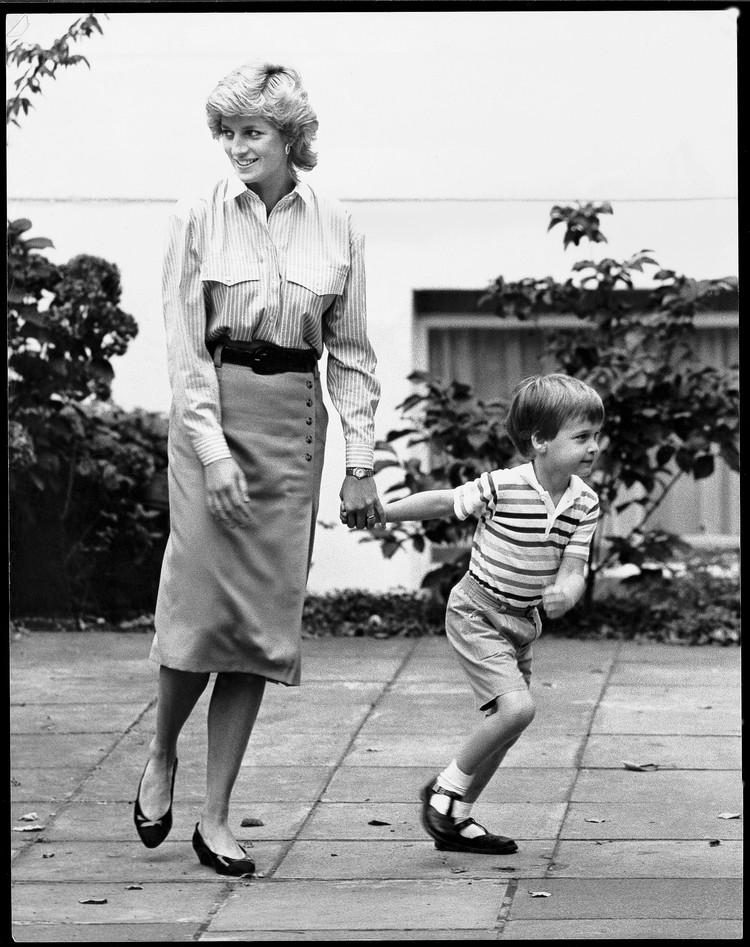 Принцесса Диана и маленький принц Уильям.